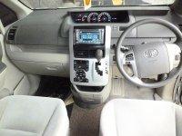 Nav1: Toyota NAV 1 G Lux 2.0 AT 2TV Captain Seat Power Sliding Doors sepert (tn4.jpg)