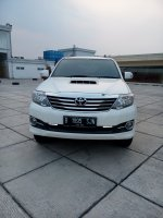 Jual Toyota fortuner vnt G diesel matic 2015 putih km 30 rban 08161129584