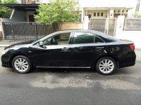 Toyota camry 2012 v 2.5cc hitam bagus (FB_IMG_1509807536773.jpg)