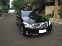 Dijual Toyota Crown Royal Saloon 3.0G AT 2010 (02 CROWN 2010 TAMPAK KANAN DEPAN.jpg)