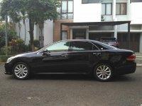 Dijual Toyota Crown Royal Saloon 3.0G AT 2010 (07 CROWN 2010 TAMPAK KIRI.jpg)