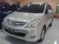 Toyota: Kijang Innova G Manual Tahun 2009 (kiri.jpg)
