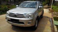 Toyota: FORTUNER Diesel Matic 2010 kondisi Istimewa No. Pol F (P_20171207_132807.jpg)