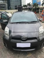 Jual TOYOTA YARIS 1.5 E AT Abu-Abu Metalik