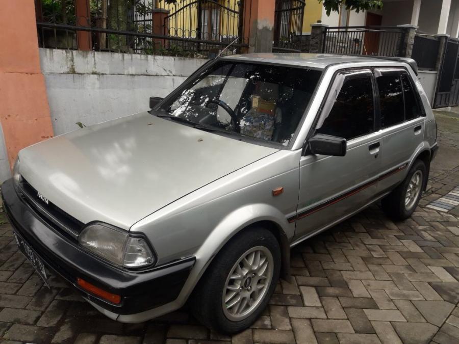 Jual Cepat Toyota Starlet 1.3 th 1988 - MobilBekas.com