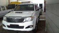 Jual Toyota Hilux 4x4 Tahun 2012 pemakaian 2013
