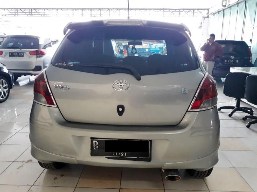 Yaris E 2011 automatic (dp minim) - MobilBekas.com