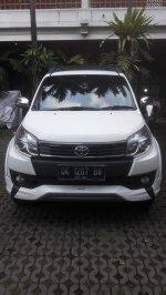 Jual Toyota Rush TRD Sportivo 2015 SUV A/M Putih