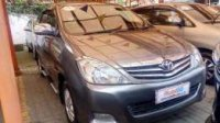 Toyota: jual innova 2010 v manual