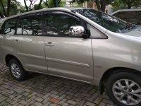 Toyota Innova: Dijual Inova G2.5 Diesel M/T (samping kanan.jpg)