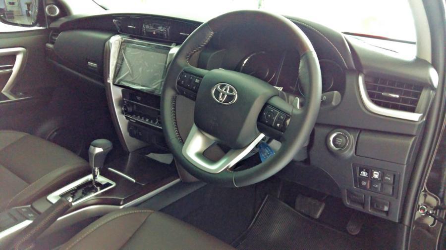 Toyota New Fortuner 4 x 2 2.4 VRZ - MobilBekas.com