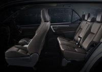 Toyota New Fortuner 4 x 2  2.4 VRZ (auto (1).jpeg)