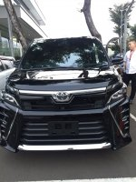 Jual TOYOTA NEW VOXY 2018 READY STOCK