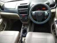 Toyota New Avanza Type G 1.300 cc Manual Airbag Tahun 2013 warna hitam (av11.jpeg)