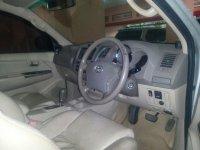 Toyota: Fortuner 2.7 G Luxury Tahun 2005 (in depan.jpg)
