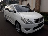 Toyota Innova V luxury 2.0 cc Th.2012 Automatic (2.jpg)