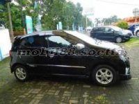 Toyota: jual agya 2015 manual
