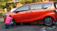 Jual Oper Kredit Toyota Sienta Matic type V Orange Metallic