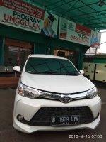 Jual Toyota New Avanza VELOZ Matic Airbag Tahun 2015 warna putih