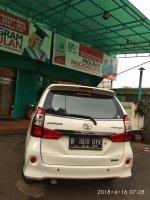 Toyota New Avanza VELOZ Matic Airbag Tahun 2015 warna putih (vl10.jpeg)