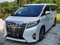 Jual Mobil Toyota Alphard 2.5G Tahun 2017 Body Masih Mulus (03.jpg)