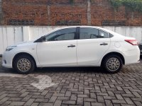 Toyota Limo 2015 Pemakaian 2017 95% (WhatsApp Image 2018-05-14 at 10.32.54.jpeg)
