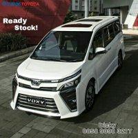 Toyota Voxy 2.0 a/t 2018, Ready Stock (PicsArt_05-15-08.55.05.jpg)