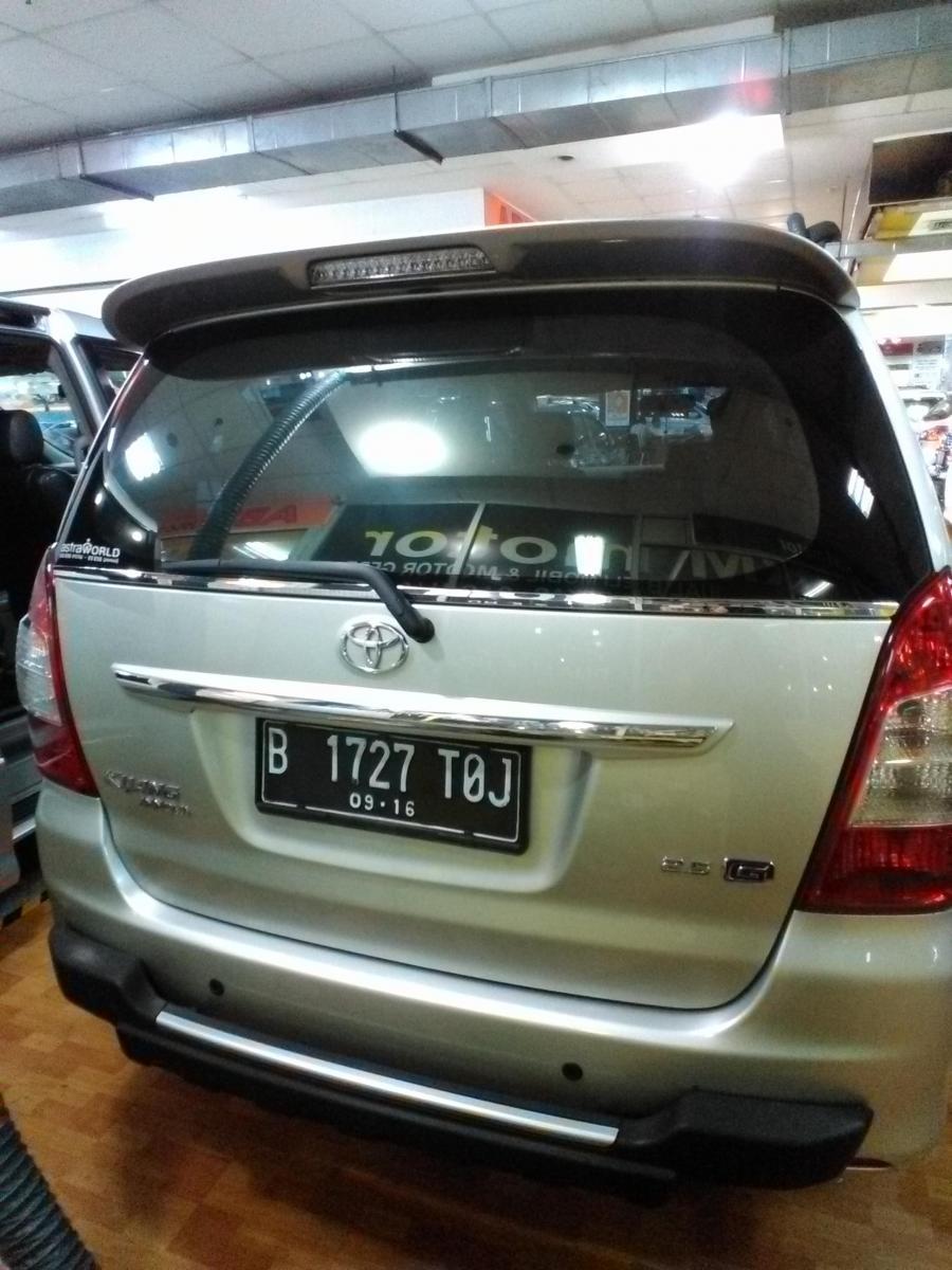 kijang innova type g 2011 diesel automatic - mobilbekas