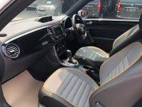 Volkswagen: VW BEETLE 1.2 TURBO 2018 DUNE SPORT (b67fea0f-b05f-47be-aaab-dc3db23008e4.jpg)